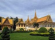 Nên đi du lịch Lào hay Campuchia?