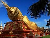 Viếng thăm ngôi chùa đẹp và nổi tiếng nhất tại Lào