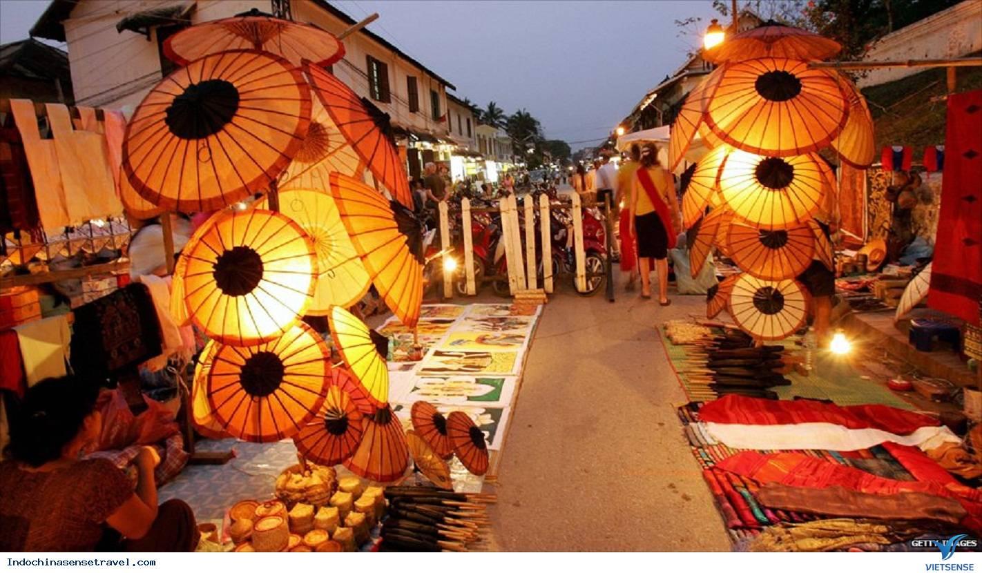 Kết quả hình ảnh cho Chợ Đêm Luang Prabang