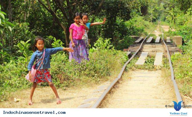 Du lịch Campuchia trải nghiệm Tàu hoả tre,du lich campuchia trai nghiem tau hoa tre