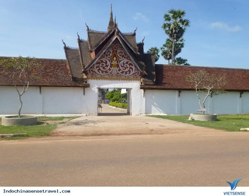 Ghé Lào thăm That Inghang nơi giữ xá lợi Phật ,ghe lao tham that inghang noi giu xa loi phat
