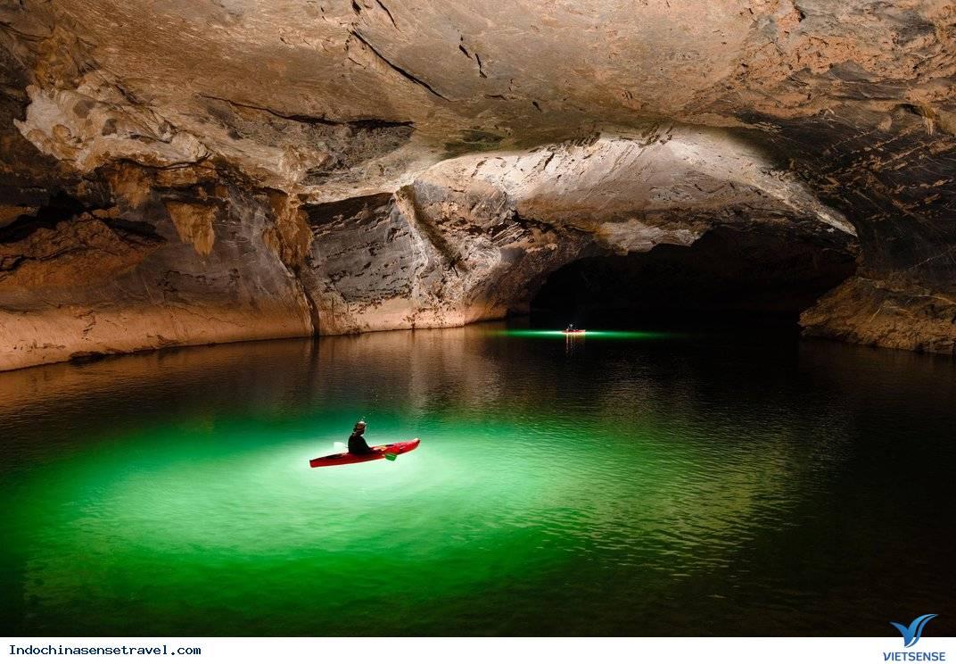 Vẻ hoang sơ bên trong hang động sông lớn nhất Lào,ve hoang so ben trong hang dong song lon nhat lao